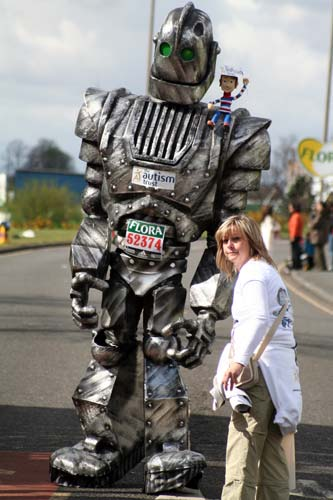 Huge iron giant robot marathon costume